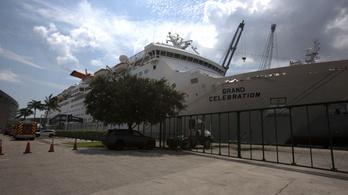 Leszállították a hajókról a hurrikán miatt menekülő bahamaiakat