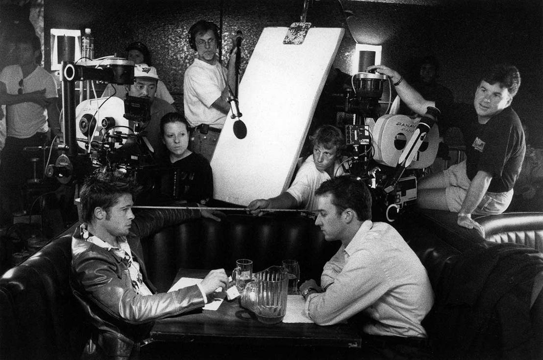 Brad Pitt, Edward Norton, Don Coufal, és Conrad W. Hall a forgatáson