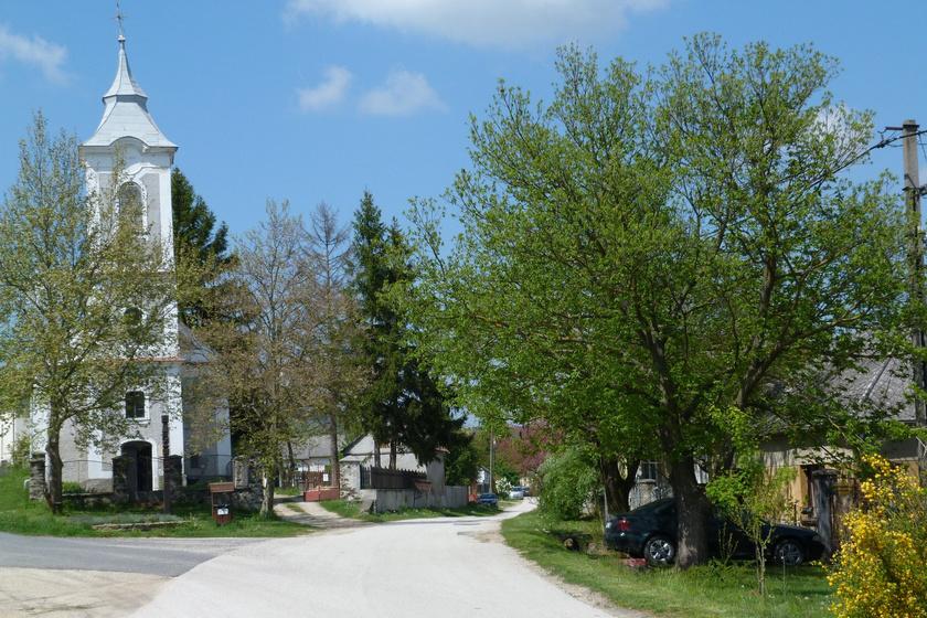 Picinyke, csodaszép és még saját Szputnyikja is van: Taliándörögd igazán idilli falu