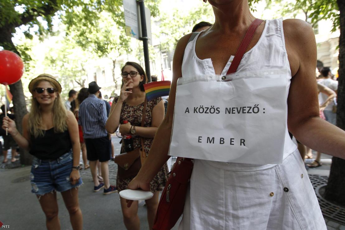 Résztvevők a Budapest Pride fesztiválon