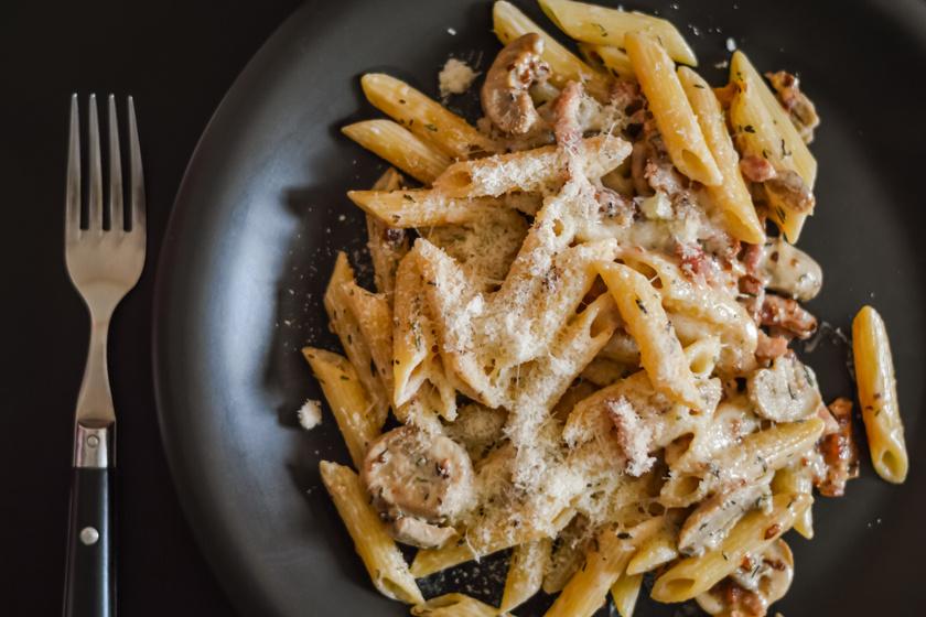 Hipergyors gombás, tejszínes penne: az egyik legfinomabb olasz tésztaétel