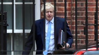Megint szembementek Boris Johnsonnal, aztán életbe lépett a parlament felfüggesztése