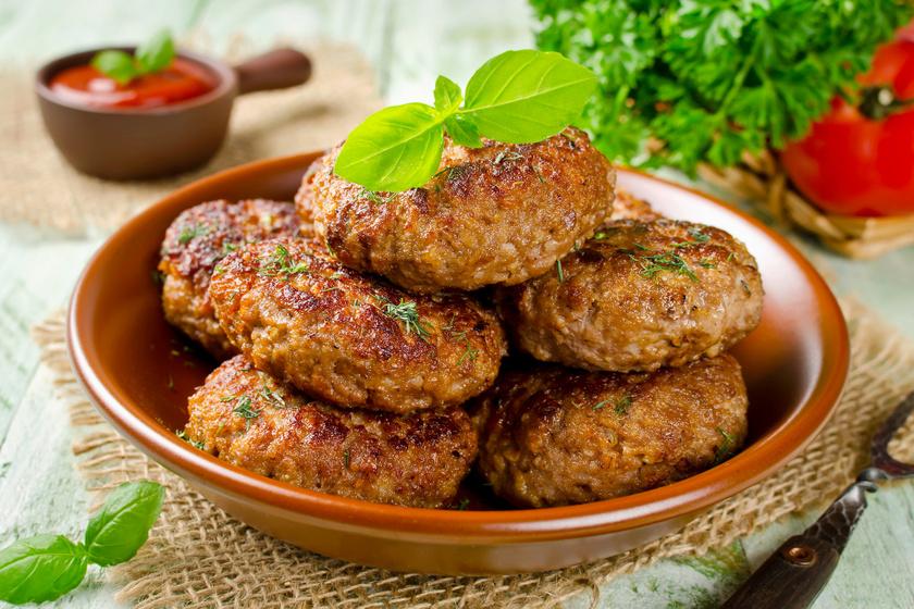 Fele annyi kalória a fűszeres, zabpelyhes fasírtban: sütőben készül