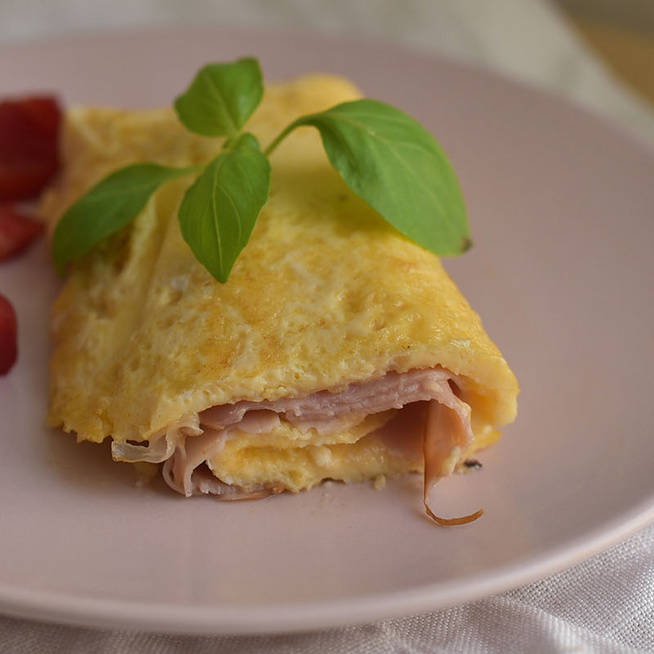 Az omlettes tekercs sokkal finomabb, mint gyerekkorunk rántottás szendvicse