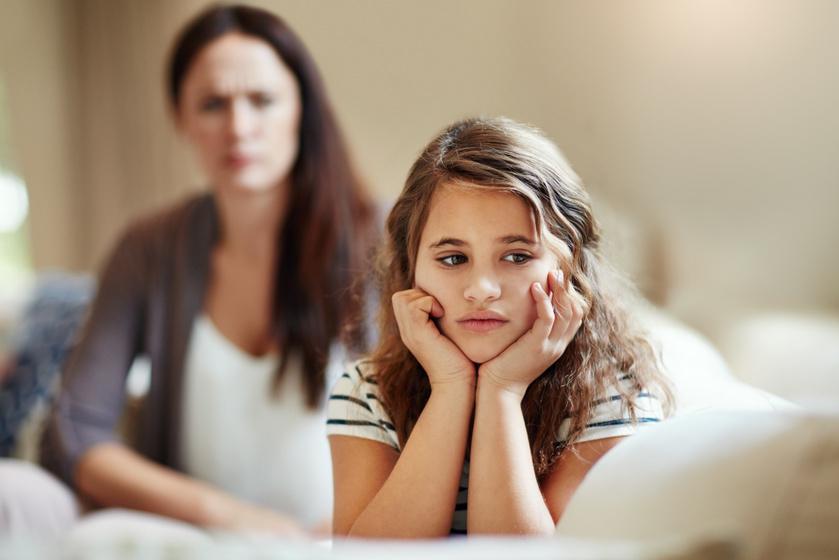 Amikor felcserélődnek a szerepek, és a gyermek lesz a szülő: miért káros a személyiségre a parentifikáció?