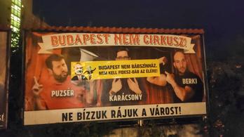 Tarlós-ujjbábokkal ragasztották át a Fidelitas cirkuszos plakátjait