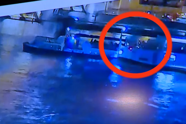 A rendőrség által kiadott videófelvétel egyik képkockája az ütközésről