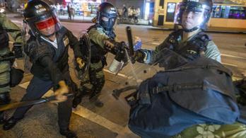 Civilben is viperával fognak járni a hongkongi rendőrök