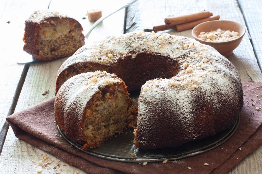 Almás-mákos kevert süti: kuglófformában sütve még szebb lesz tálalásnál