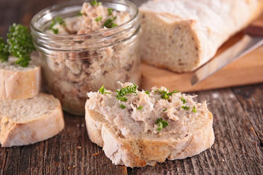 Házi tonhalkrém percek alatt: a majonéztől lesz sűrű és krémes