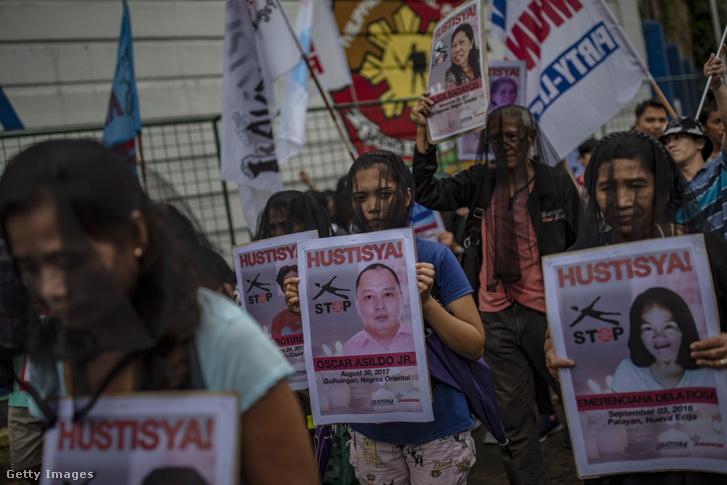 A drogháború ellen tüntetők Manilában 2019 júliusában
