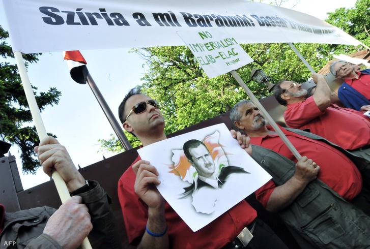 Bassár el-Aszad-szimpatizánsok tüntetése a budapesti szíriai nagykövetség előtt 2011. május 12-én
