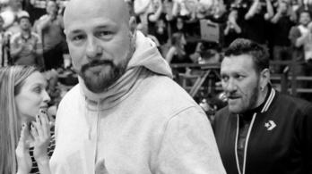 Siklóernyőzés közben halt meg Gru, a szerb rapper