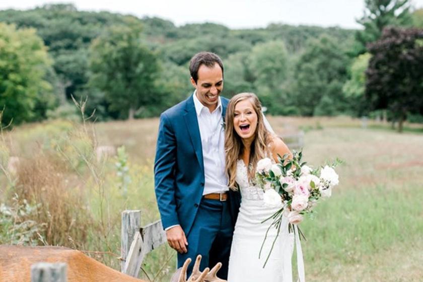 Váratlan vendég toppant be az esküvői fotózásra: szuper képek születtek