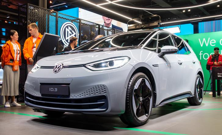 A Volkswagen villanyoffenzívájának első autója, az ID. 3