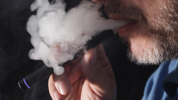 A hatodik halálos áldozatát követelte a rejtélyes e-cigaretta-járvány, több mint 450-en betegedtek meg