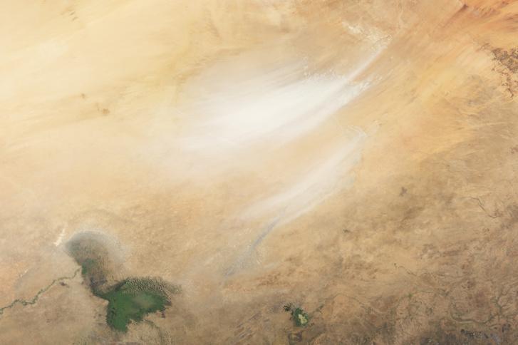 A Csád-tó a NASA felvételén 2003. november 5-én.