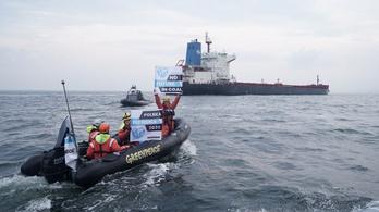Továbbra is áll a gdanski szénkikötő a Greenpeace miatt