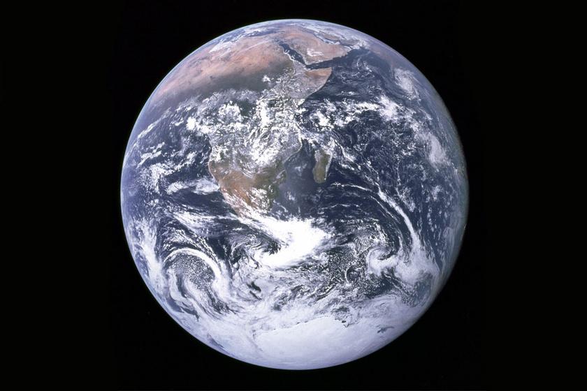 Mi történne, ha a Föld nem forogna többé? Az óceánoktól a hegyekig minden elszállna