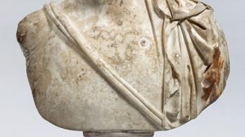 110 év után azonosítottak egy szobortöredéket a Szépművészetiben