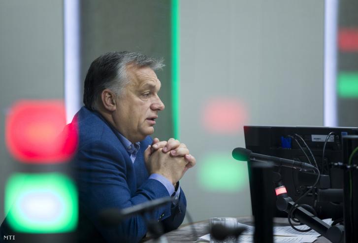 Orbán Viktor miniszterelnök interjút ad a Kossuth rádió stúdiójában 2018. november 23-án