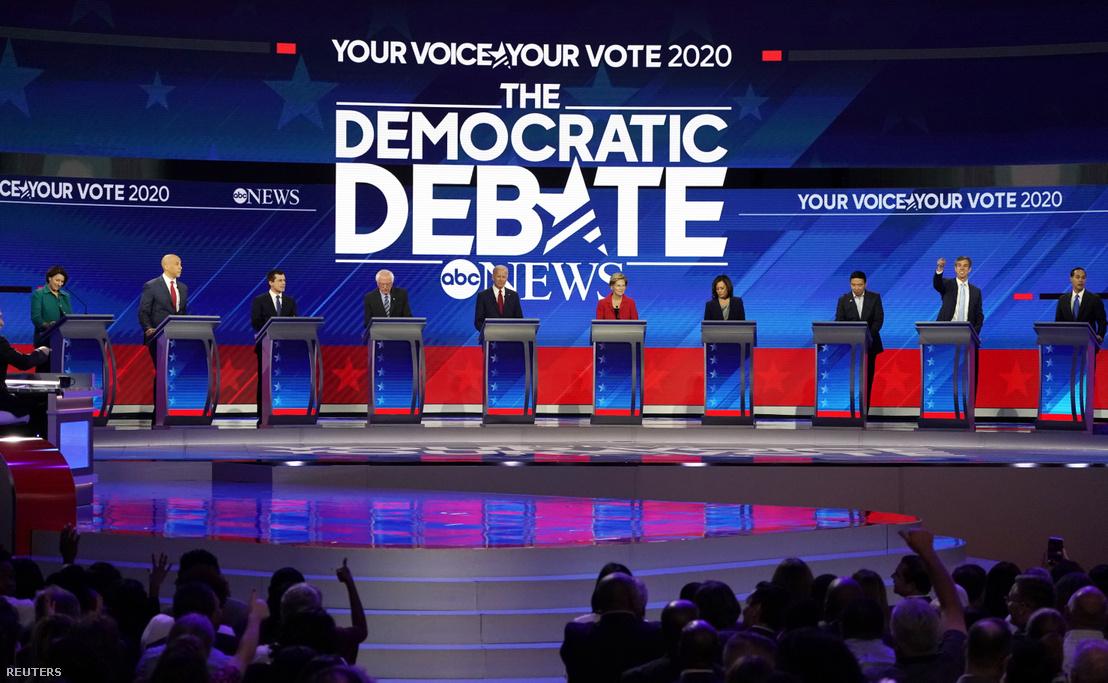 Jelöltek a csütörtök esti vitán.