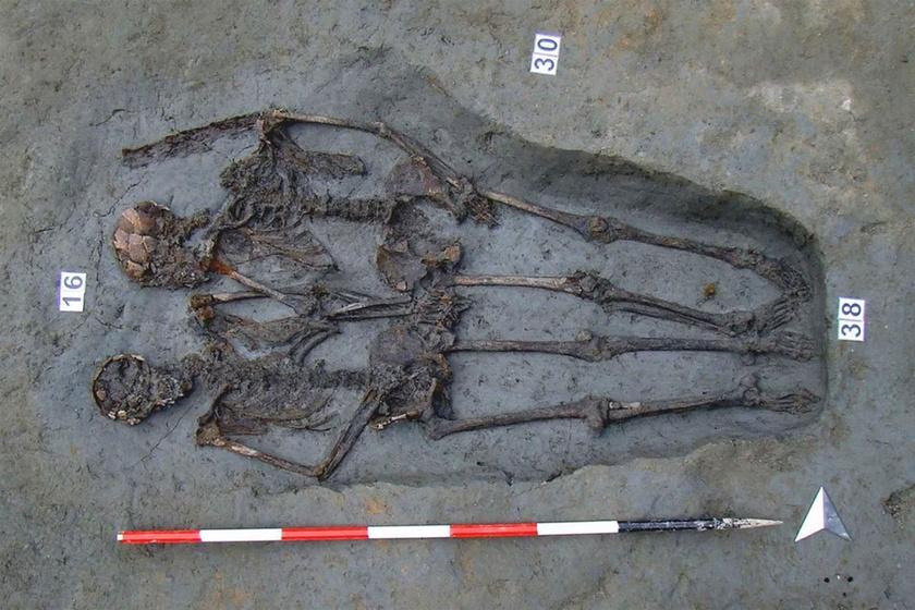 Egymás kezét fogva találtak rá a csontvázakra: meglepő dolog derült ki róluk