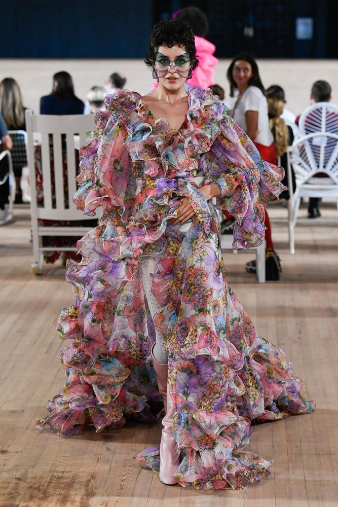 Pillangókisasszony öltözéke a következő