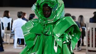 Újabb leírhatatlan ruhaköltemények jelentek meg a New Yorki divathéten
