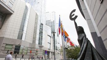 Újra jönnek az uniós források, de ez nem volt ingyen a kormánynak