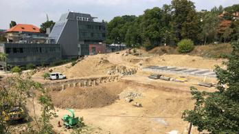 Bomba miatt lezárják a Móricz Zsigmond körtér környékét