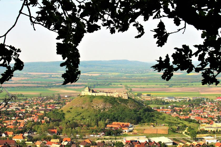 Meseszép városka a Balaton fölött: Sümeg alig ismert csodáiba egyből beleszeretsz