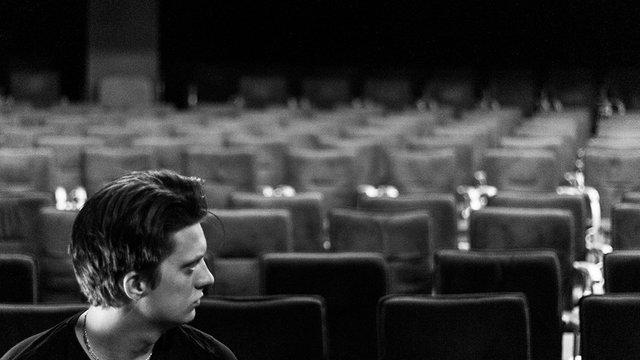 A színháznak csak egy gondolatot kell elindítania a fejekben