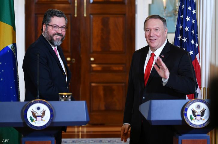 Michael Pompeo amerikai és Ernesto Araújo brazil külügyminiszter találkozója Washingtonban, 2019. szeptember 13-án