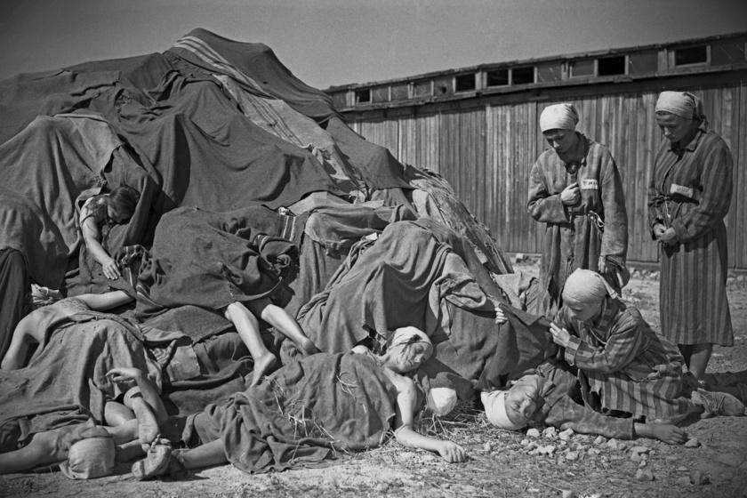 Elhunyt fogvatartottak a ravensbrücki női koncentrációs táborban.