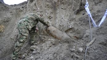Sikeresen hatástalanították a Szent Margit Gimnáziumnál talált bombát