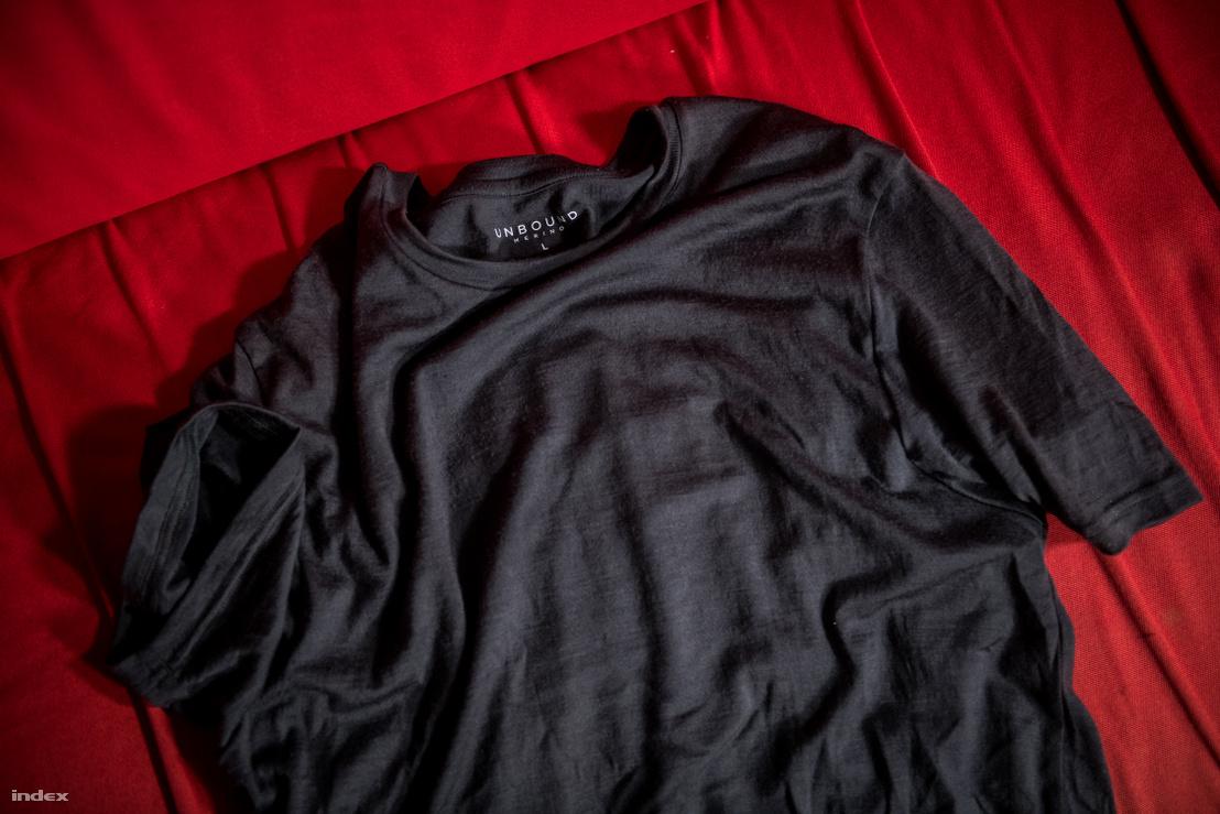 A póló, amivel együtt éltem egy hónapig