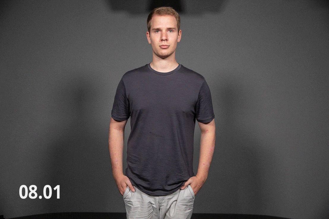 Az alapötlet az volt, hogy egy gifen vizualizáljuk, hogy miként amortizálódik le egy póló egy hónap alatt, nem igazán sikerült.