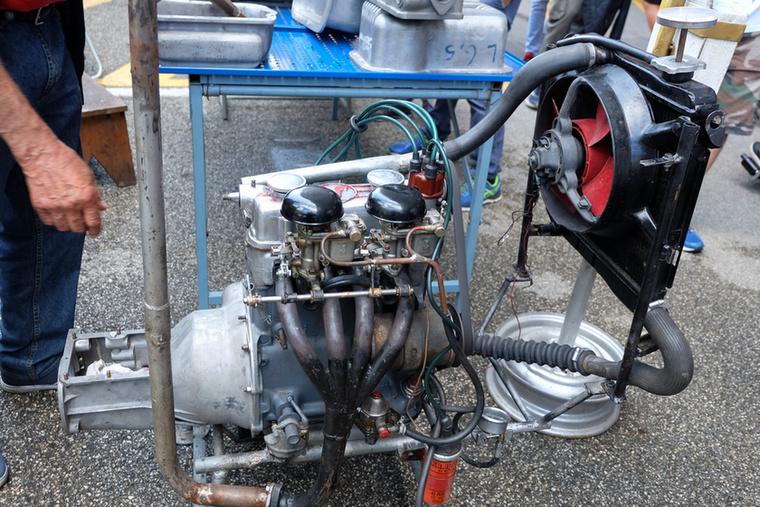 Ez itt egy Fiat 500 Topolino-féle motor, bár nem pont úgy, ahogy Giaciosa mester megálmodta