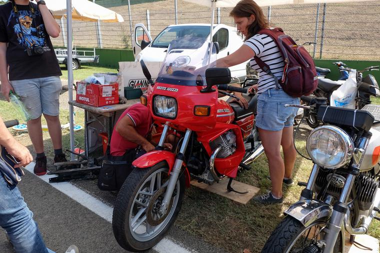 Egy másik motorpróba: Guzzi V65 2500-ért
