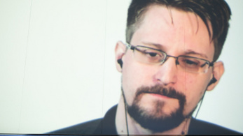 Menedékjogot kérne Macrontól Edward Snowden