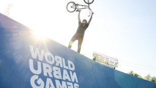 A jövő olimpikonjai ugrottak, másztak, repültek