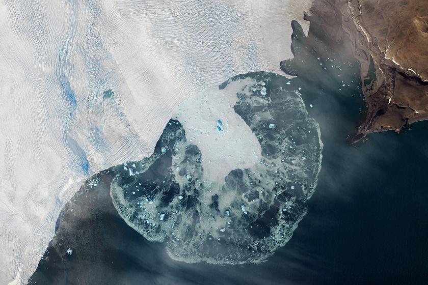Ijesztő hatásai vannak a klímaváltozásnak: 5 új szigetet találtak a sarkvidéki jég olvadása miatt