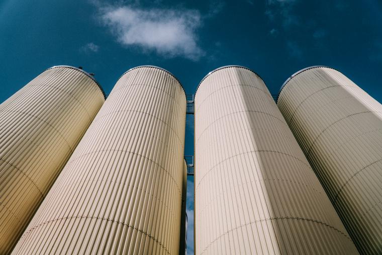 A gyár manapság már évente 3 millió hektoliter sört termel, amelyet a világ 38 országába exportálnak