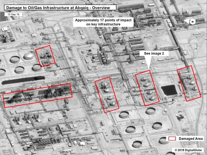 Egy műholdas kép, amely a Szaúd-Arábiában, Abqaiqban található olaj / gáz Szaúd Aramco infrastruktúrájának sérüléseit mutatja be