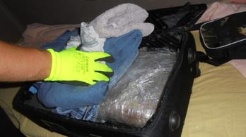 24 kg drogot akartak behozni Tompán, de résen volt a NAV