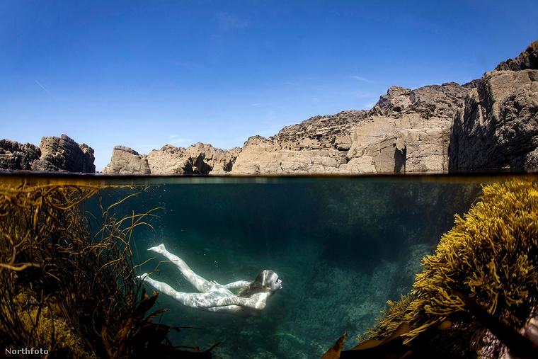 Szerinte a meztelen úszás olyan élményt nyújt, amit pénzzel nem lehet megvásárolni