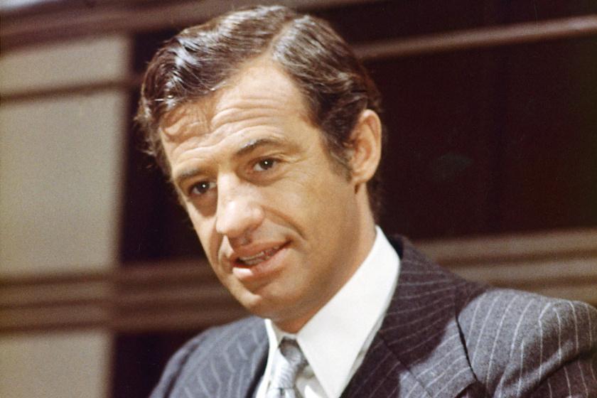 Így néz ki ma a 86 éves Jean-Paul Belmondo - Családja körében fotózták le a színészt