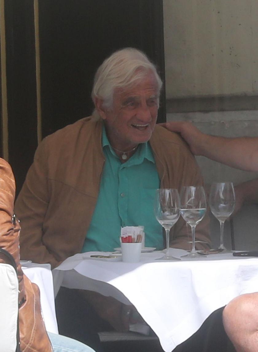 Jean-Paul Belmondo a testvéreivel költött el egy finom ebédet a hétvégén Párizsban.
