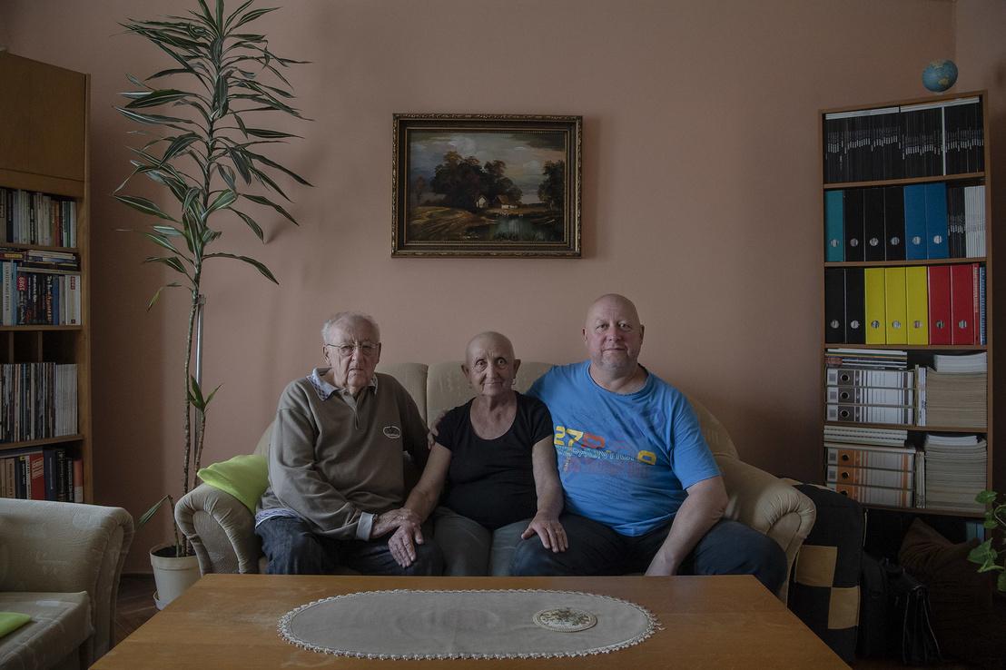 József szüleivel